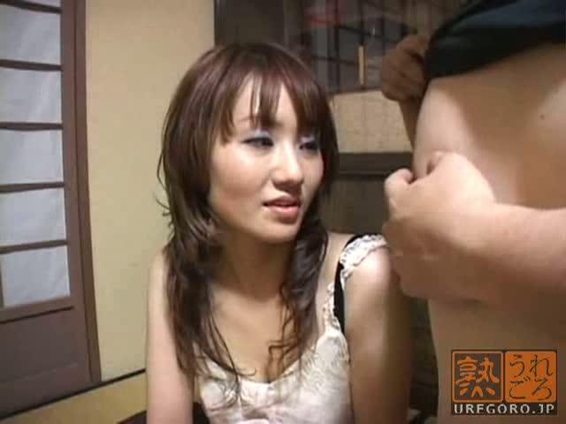 人妻のセンズリ鑑賞無料jukujyo動画。       エロそうな人妻さんにセンズリ鑑賞させたら、興味本位でオチンポをぺろり