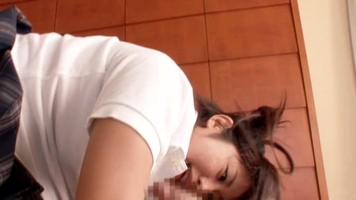 女子校生 フェラ 妹 |むっちりボディの妹系女子校生がおまんこ激しくクンニされながら初めてのフェラチオ
