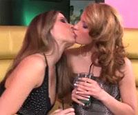 金髪美女がキスしてパイ舐め仕上げにマンコ舐め舐めレズ動画 (C) lezbohoneys.com